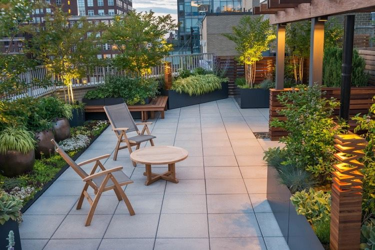 Grand cache pot extérieur en tant que décoration terrasse moderne ...