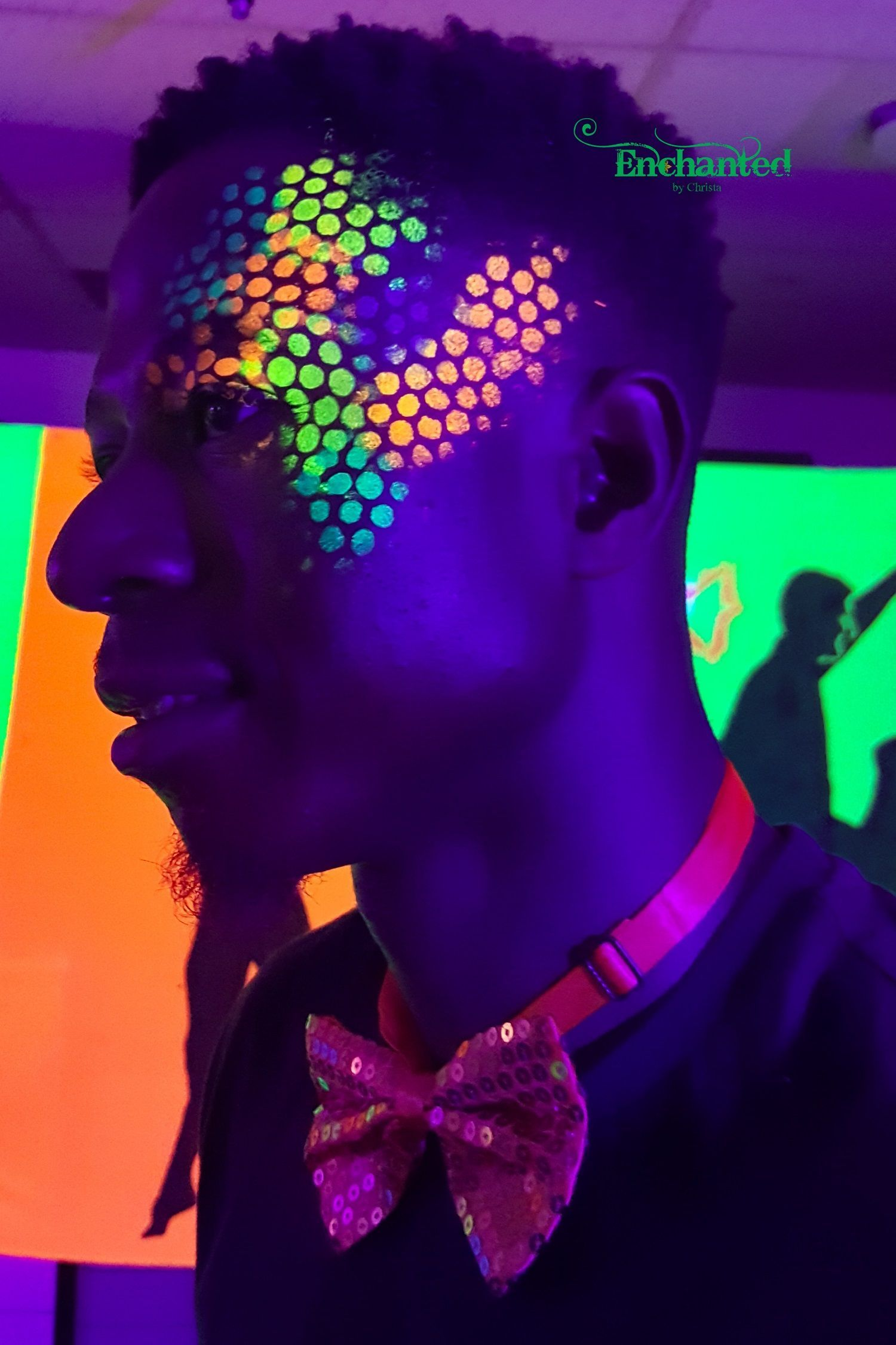 Uv Face Paint Design I Just Love The Way These Glow In The Dark Face Paint Designs Pop Under Uv Lights In 2020 Uv Face Paint Festival Face Paint Neon Face Paint