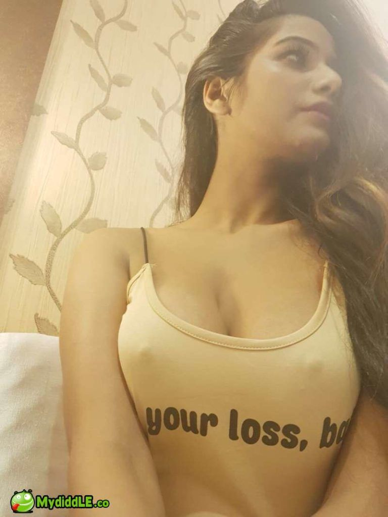 Poonam Pandey First Time Showing Her Tight Hard Nipples Tits In Tank Top Boobs Mydiddle
