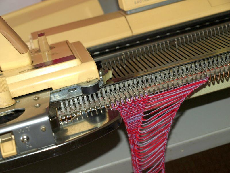 Machine Knitting How To Make Fringing Knitting Machine Tutorial Machine Knitting Knitting Machine Patterns