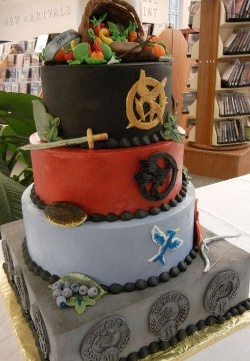 A Very Cool Hunger Games Cake