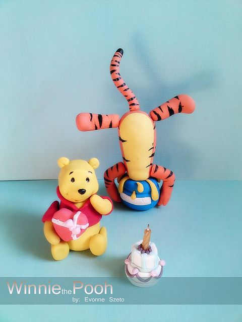 Winnie the Pooh Figures Tigger, Cake and Character cakes - winnie pooh küche