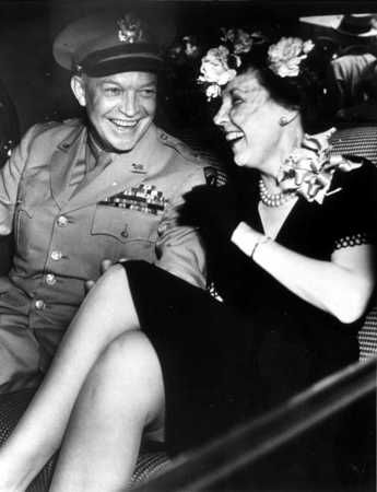 how did dwight eisenhower meet mamie