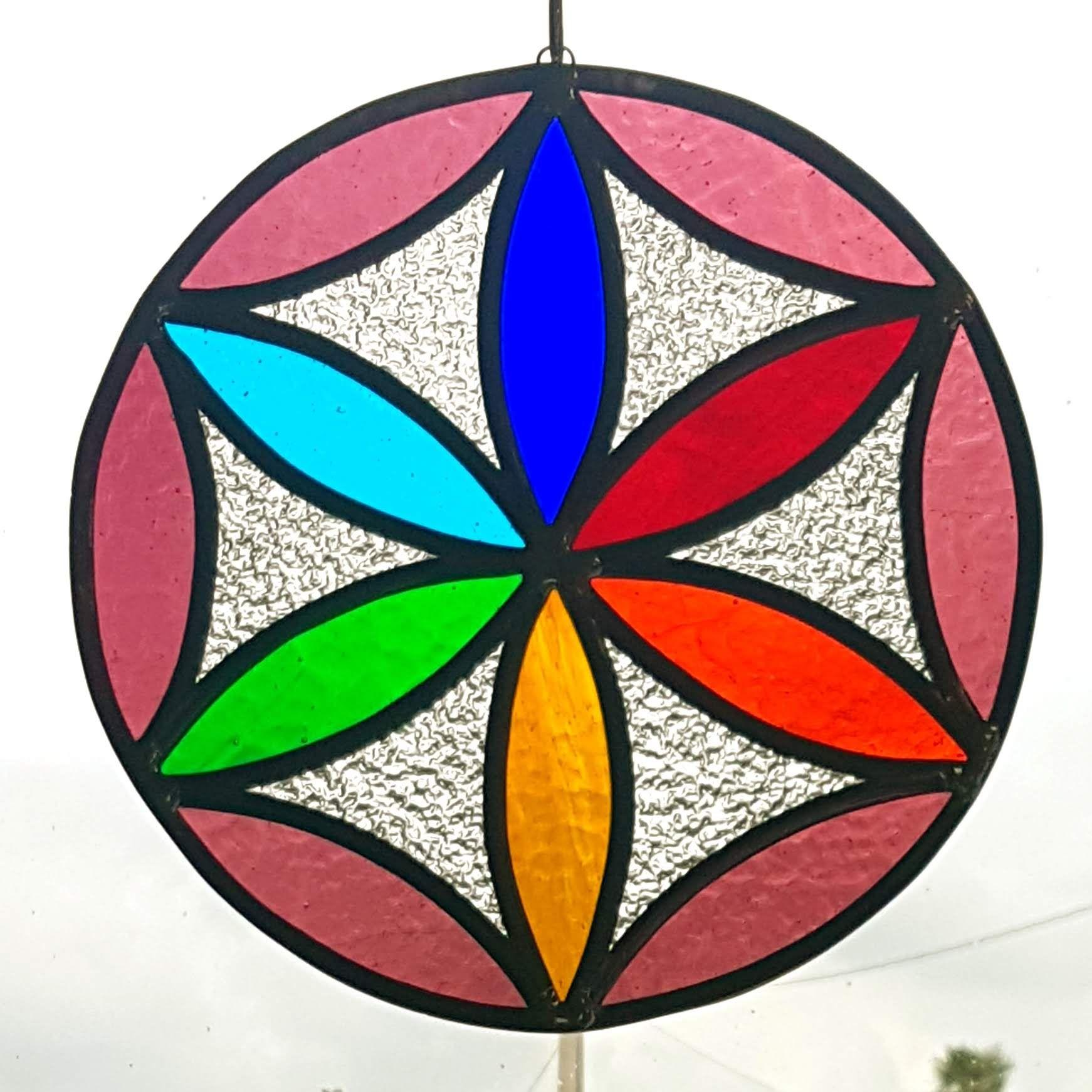 Suncatcher Fleur De Vie Vitrail Vitraux D Art 64 Creation Sur Mesure Bayonne Vitrail Dessins De Vitraux Vitrail Contemporain