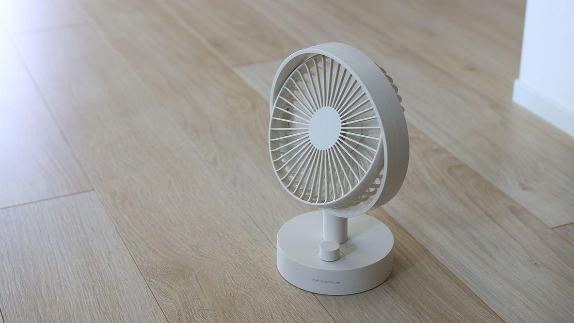エアコンを使っていても やっぱりあると便利な扇風機 デスク