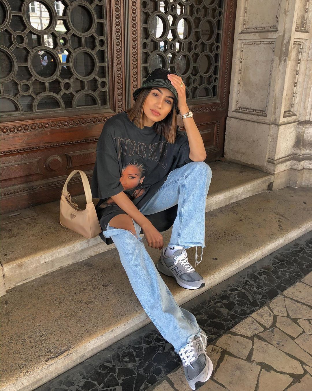Photo via: @soniaheartsfashion  Relaxed days call for equally chill outfits and we are currently loving this low-key look. Perfect for days at home this combination of an oversized t-shirt baggy jeans sneakers and a bucket hat looks easy and effortless. Shop our favorite casual pieces below.  - Daily Fashion and Style Inspo - beautiful models and runway shows - casual street fashion - clothing for the modern professional woman and busy mother - outfit of the day OOTD ideas - haute couture - gorg
