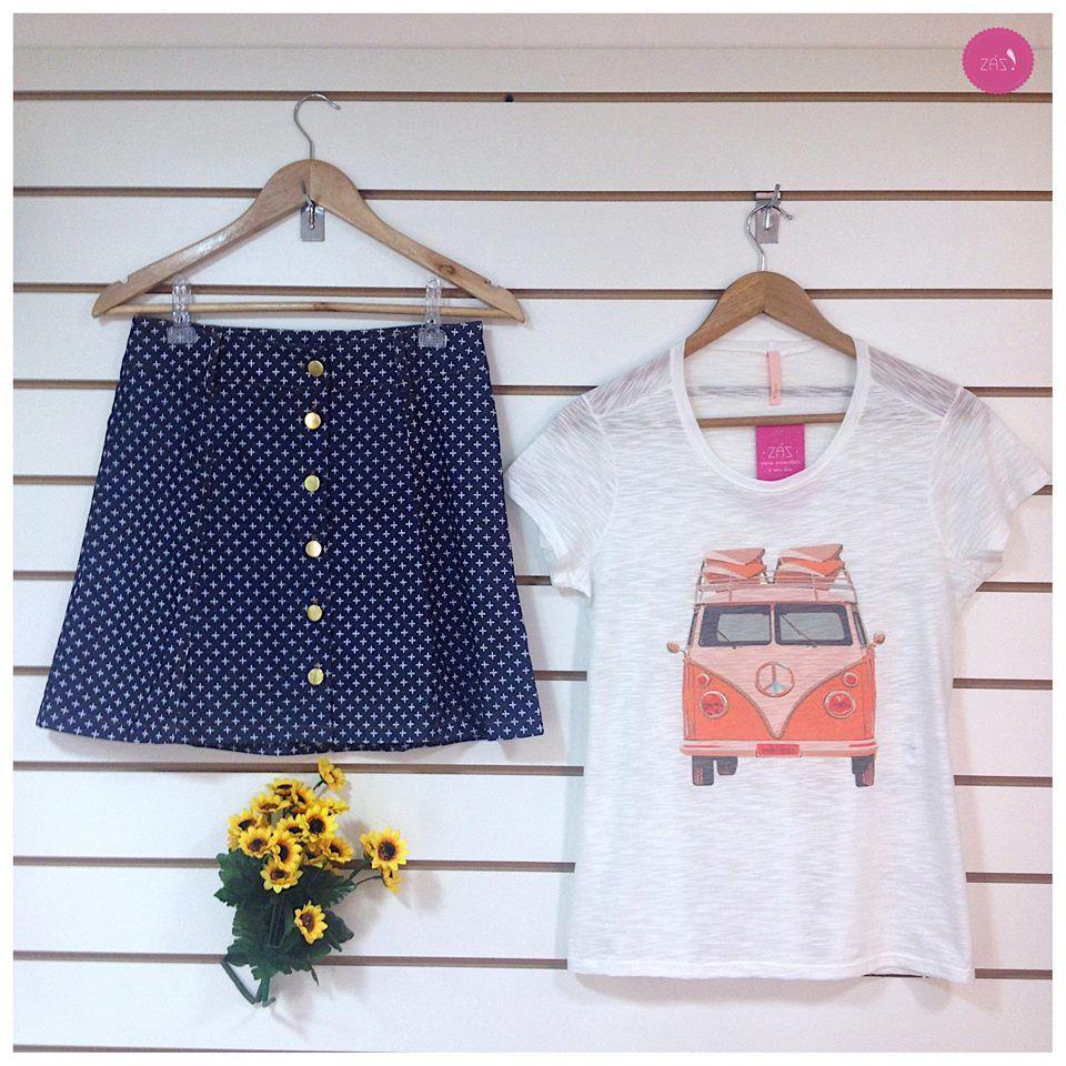 A saia jeans de botões *Alerta Trend * com a t-shirt fez um look super descolado! #Vemprazas