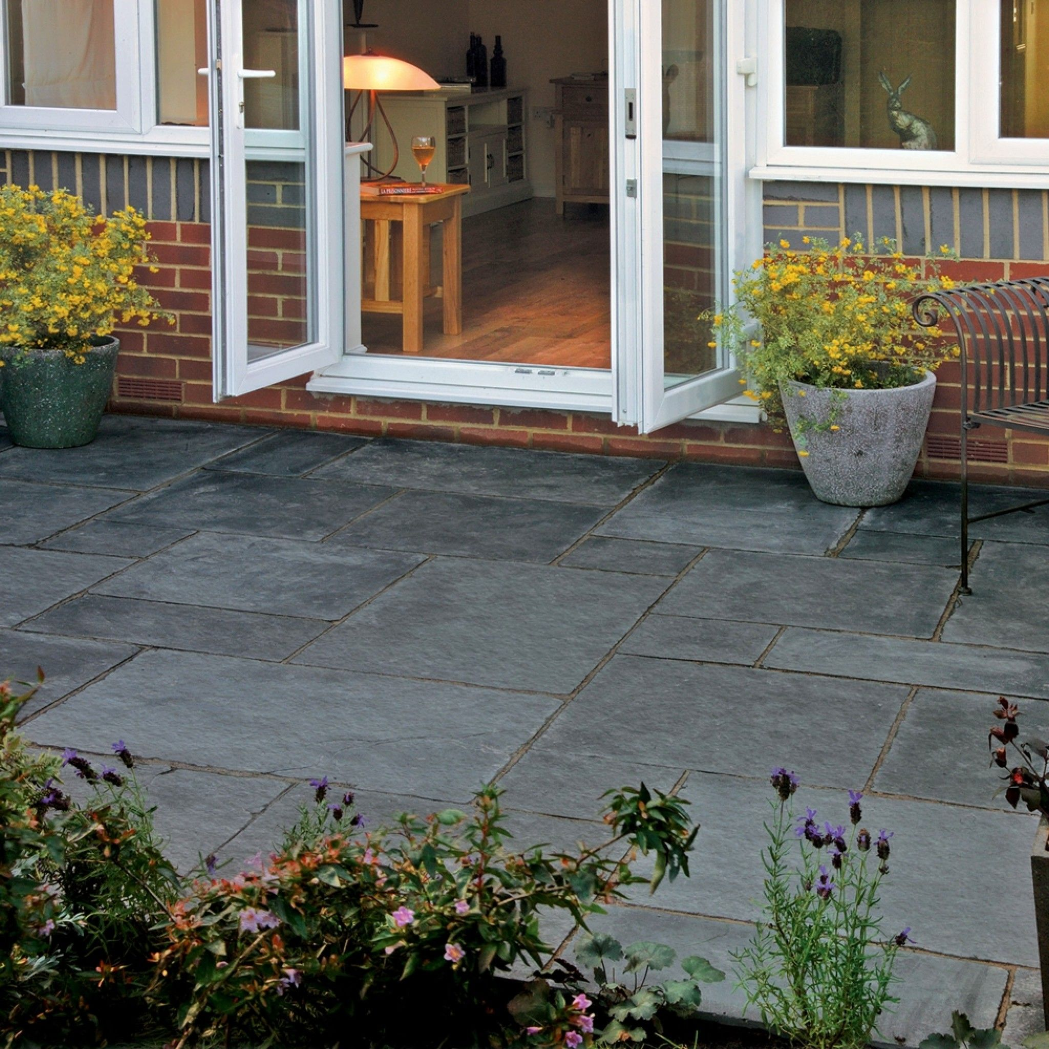 bradstone  natural limestone paving blue-black patio pack