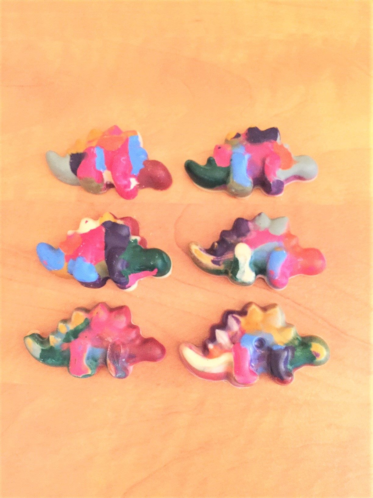 Dinosaur Rainbow Crayon Set