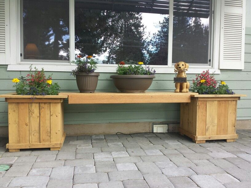 Boxes made with pallets.
