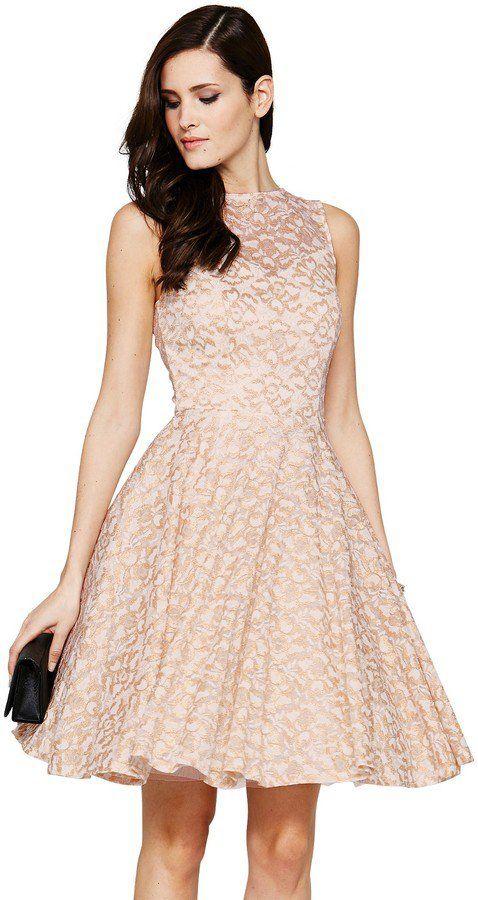 Pin for Later: Vous êtes invitée à un mariage bientôt et vous cherchez une robe ? Cliquez ici !  Definitions Lace Prom Dress (77,70 €)