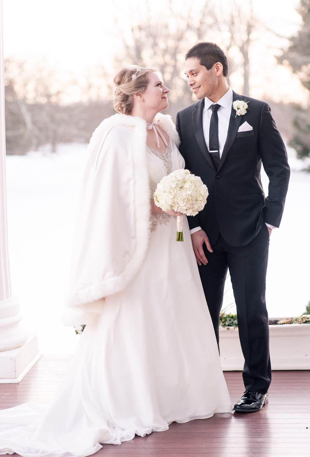Winter Wedding Dress at Historic Rosemont Manor in Northern Virginia ...
