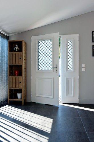 Ath na porte d 39 entr e aluminium classique mi vitr e bel 39 m portes pvc en 2019 porte entr e - Prix porte d entree athena ...