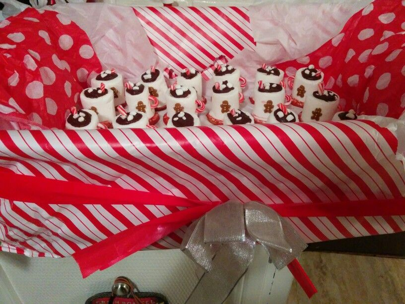 Marshmallow hot chocolate cups