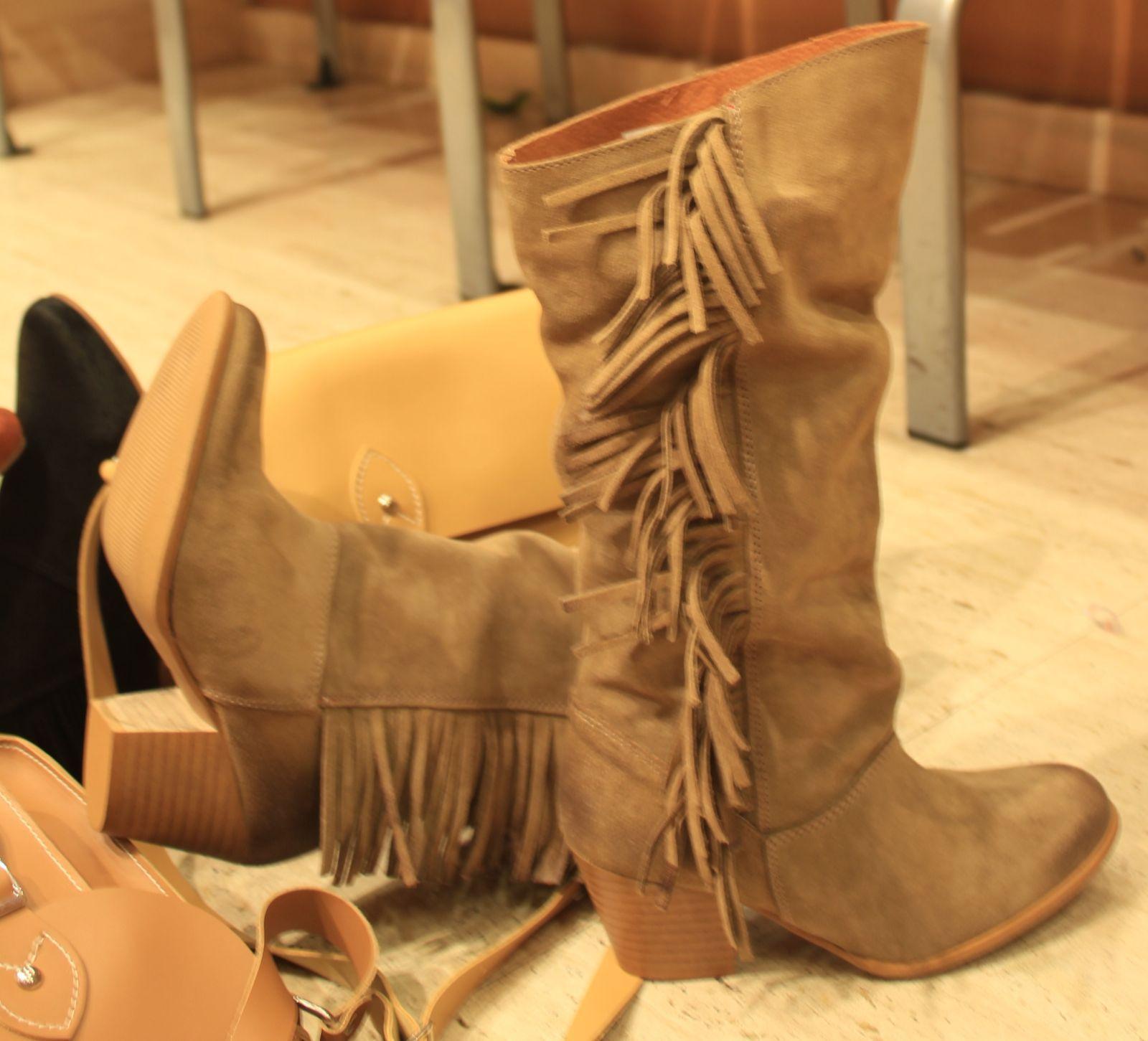 034c745604879 Calzados NIZA y ZAS Shoes  Botas de serraje y colores tierra. Aire cowboy