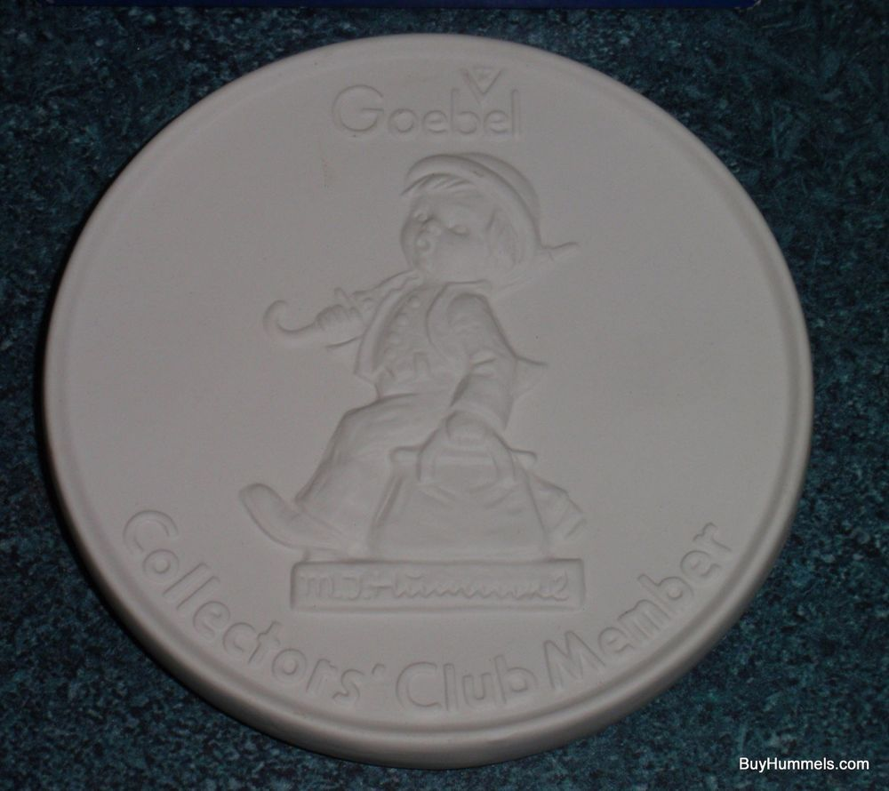 1976 hummel goebel collectors club member plate merry wanderer white with box