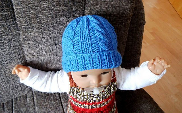 Ravelry Cabled Baby Hat Pattern By Marianna Mel Baby Knitting
