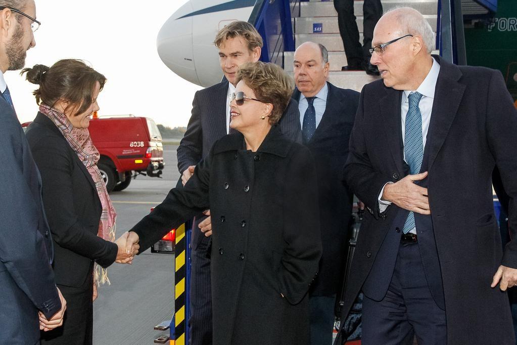 O Ministro Mauro Vieira acompanha a Presidenta @dilmabr em sua viagem à Suécia.