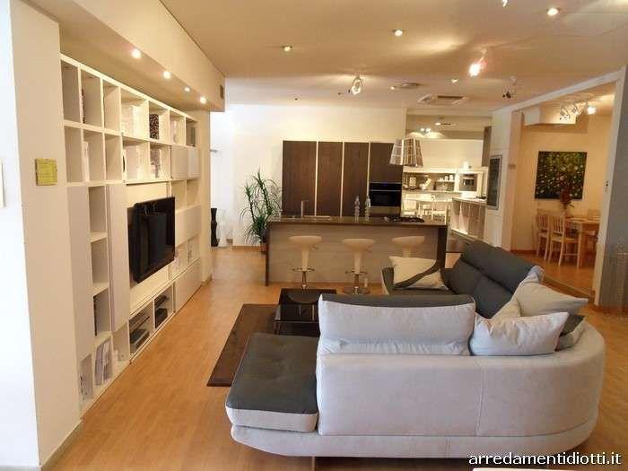 con soggiorno - Cucina e soggiorno open space