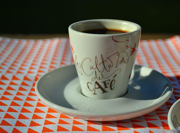 Tienda de Café by Yani Arabena & Guille Vizzari , via Behance