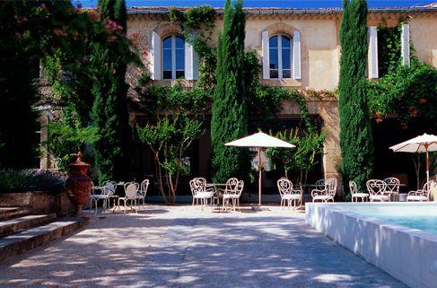 chateau massillan uchaux deluxe hotel avignon official web site chateau massillan orange. Black Bedroom Furniture Sets. Home Design Ideas