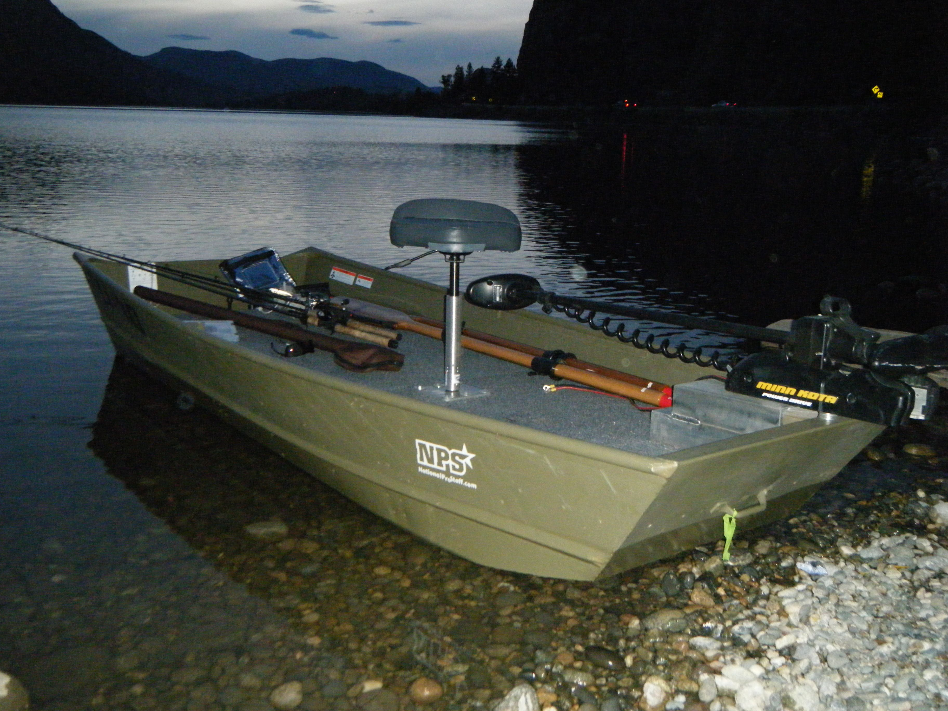 Lund 1032 jon boat jon boats pinterest boating fish for Fish finder for jon boat