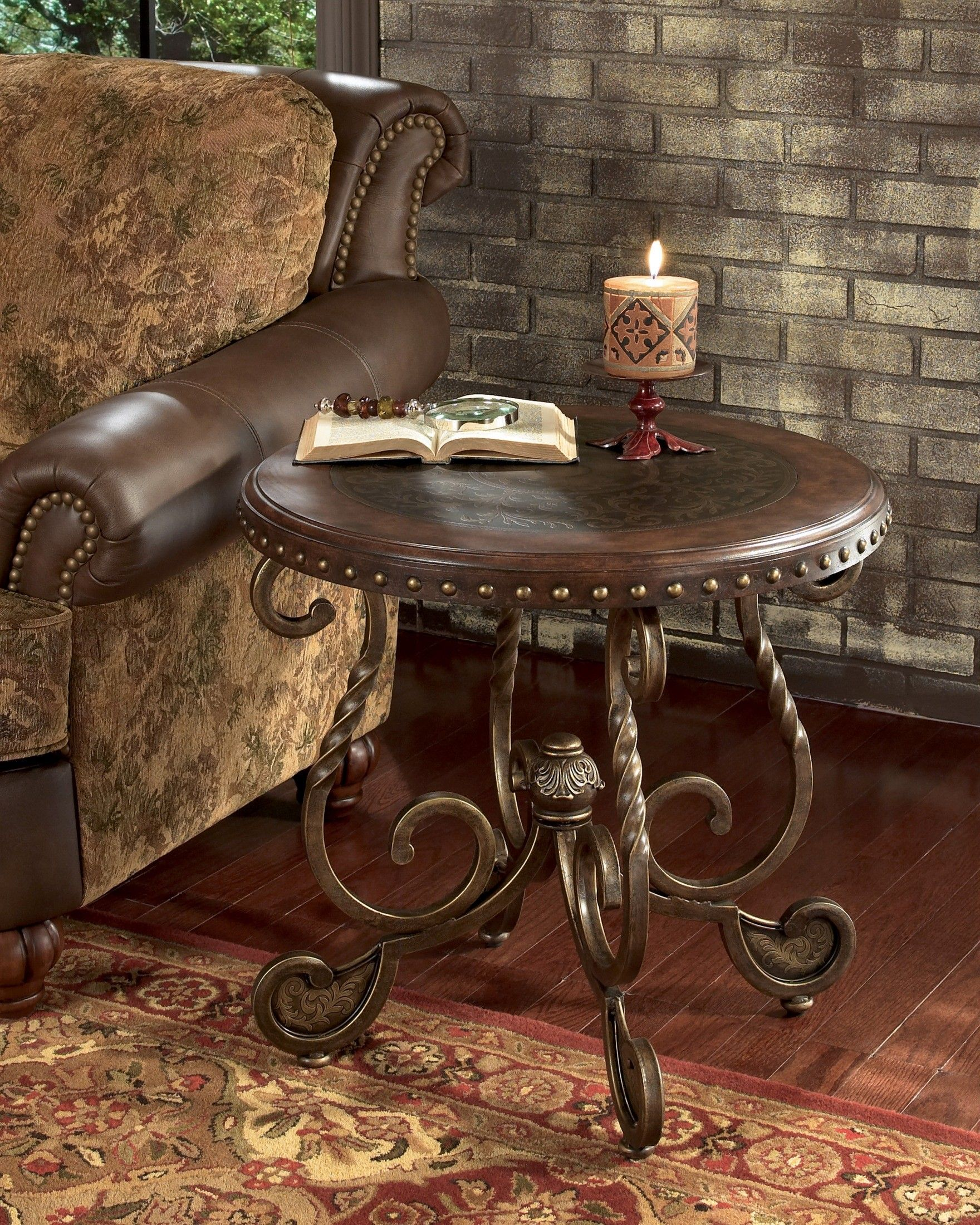Rafferty End Table In 2021 End Tables Ashley Furniture Furniture [ 2200 x 1760 Pixel ]