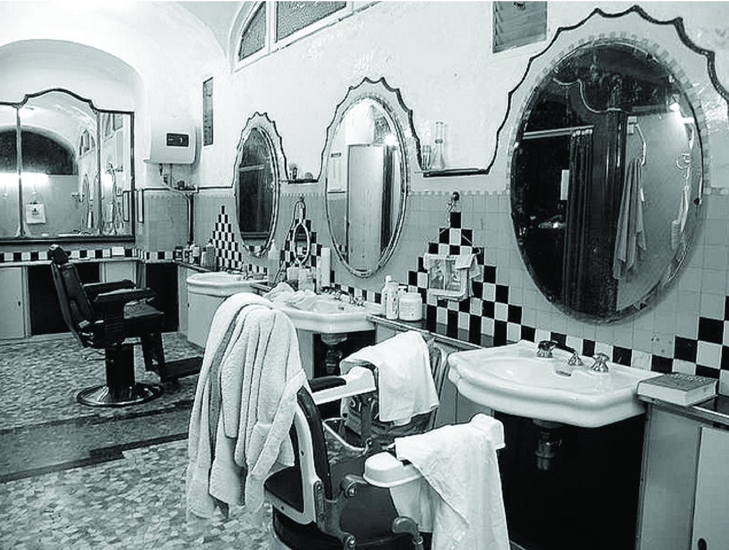 Albergo diurno venezia piazza oberdan milano interni for Interni salone