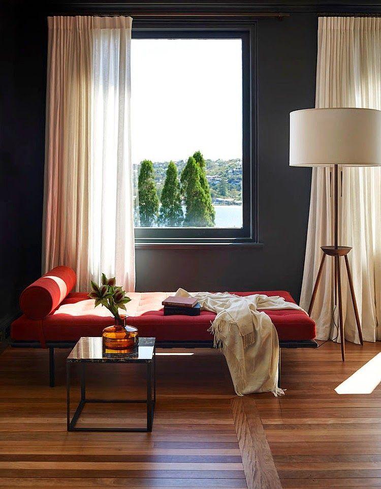 Väriä, modernia ja puuta