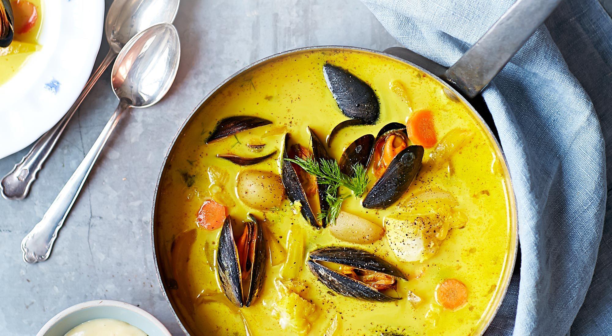 lyxig fisksoppa med räkor och musslor