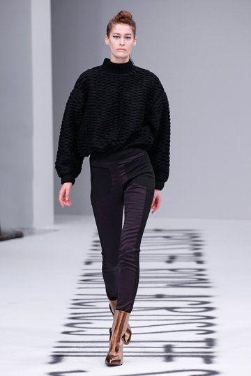 capara berlin fashion week herbst wintermode 2015 16. Black Bedroom Furniture Sets. Home Design Ideas