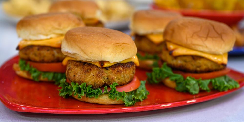 Jimmy Fallon's AirFried Chicken Burgers Recipe Fried