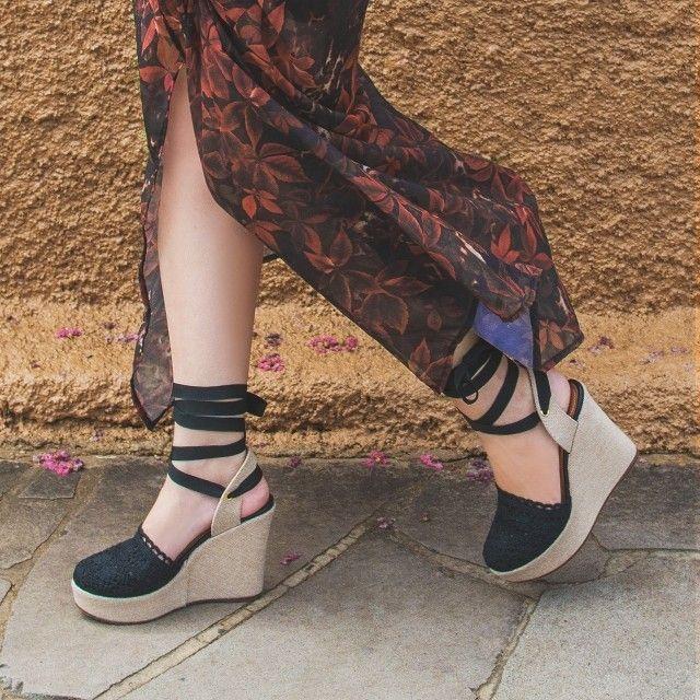Hoje e dia de subir no salto e para quem adora conforto nada como uma espadrille power! #ValentinaFlats #shoes #fashion #loveit #loveshoes #shoeslover #flat #sapatilha #love #nice #style #special #espadrille