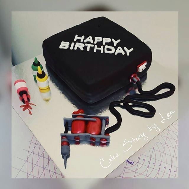 Awe Inspiring Tattoo Machine Cake Like Us At The Cake Story By Lea Birthday Cards Printable Riciscafe Filternl