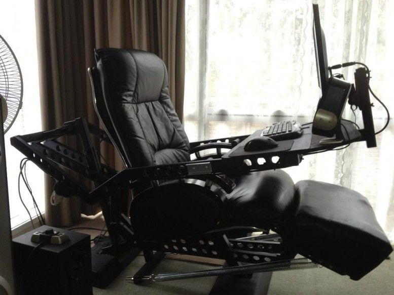Computer Gaming Chair And Desk 777x583 777x583