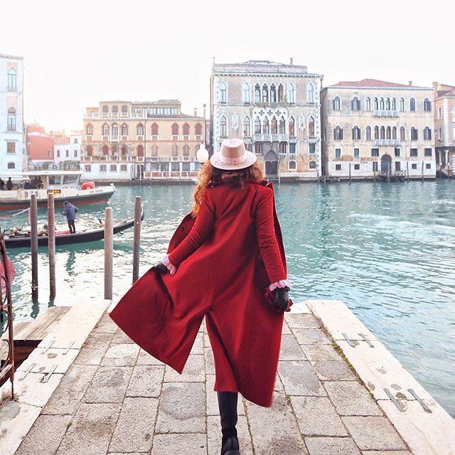 Follow me to Venice ❤ / Можешь забрать себе весь мир, но оставь мне Италию. - Джузеппе Верди #venice #italy #katieonelittletrip