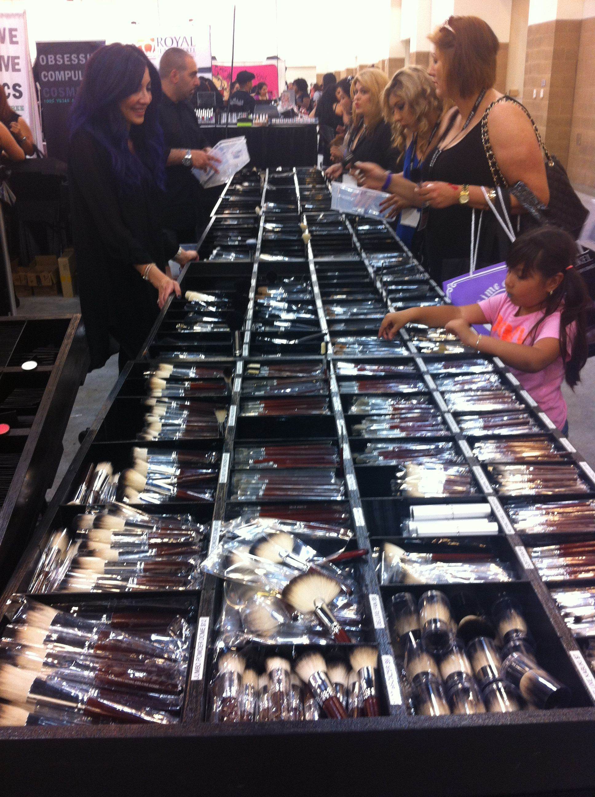 At Morphe Brushes at PHAMExpo Loja de cosméticos, Maquiagem