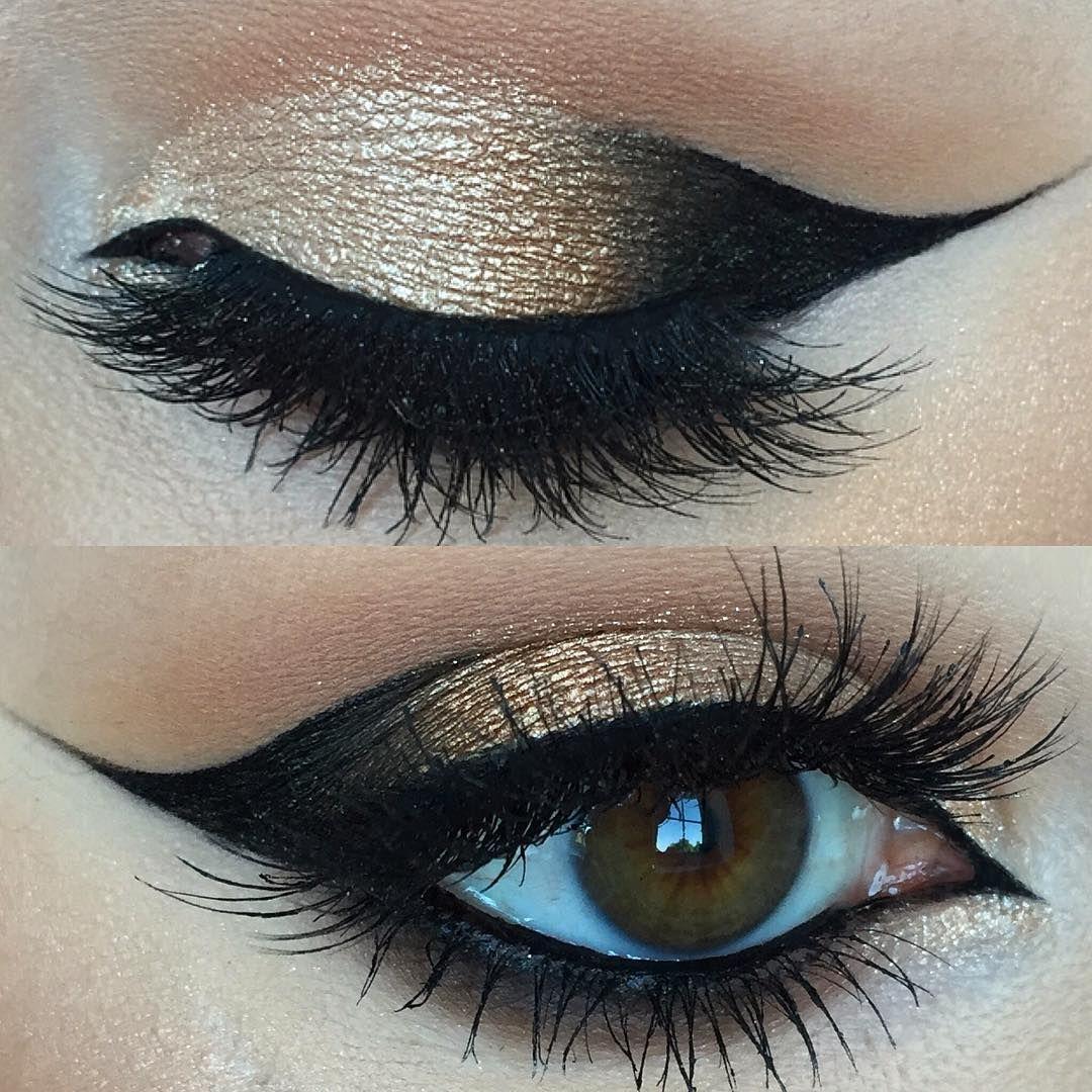 """ Benefit Browzings Dark ● Illamasqua Black Eyeliner (Sophie) ● Benefit Boiing 1 ● Smashbox Full Exposure Palette ● Inglot Duraline ● @sigmabeauty Gel…"""