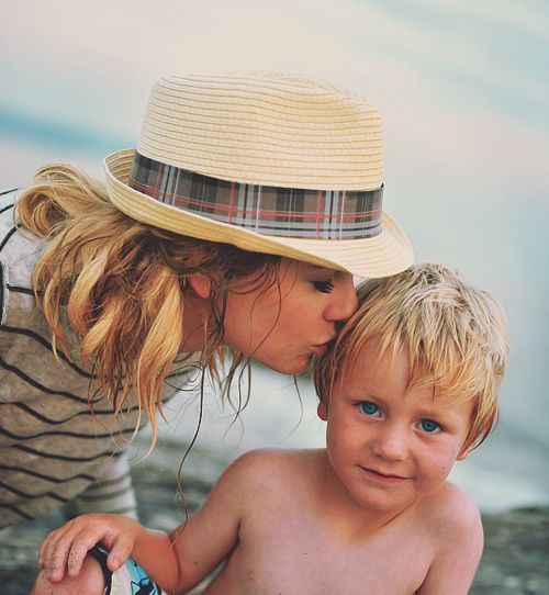 Taylor Swift And Ronan I Think I Just Cried A Little Com Imagens Cantores My Bff My Idol