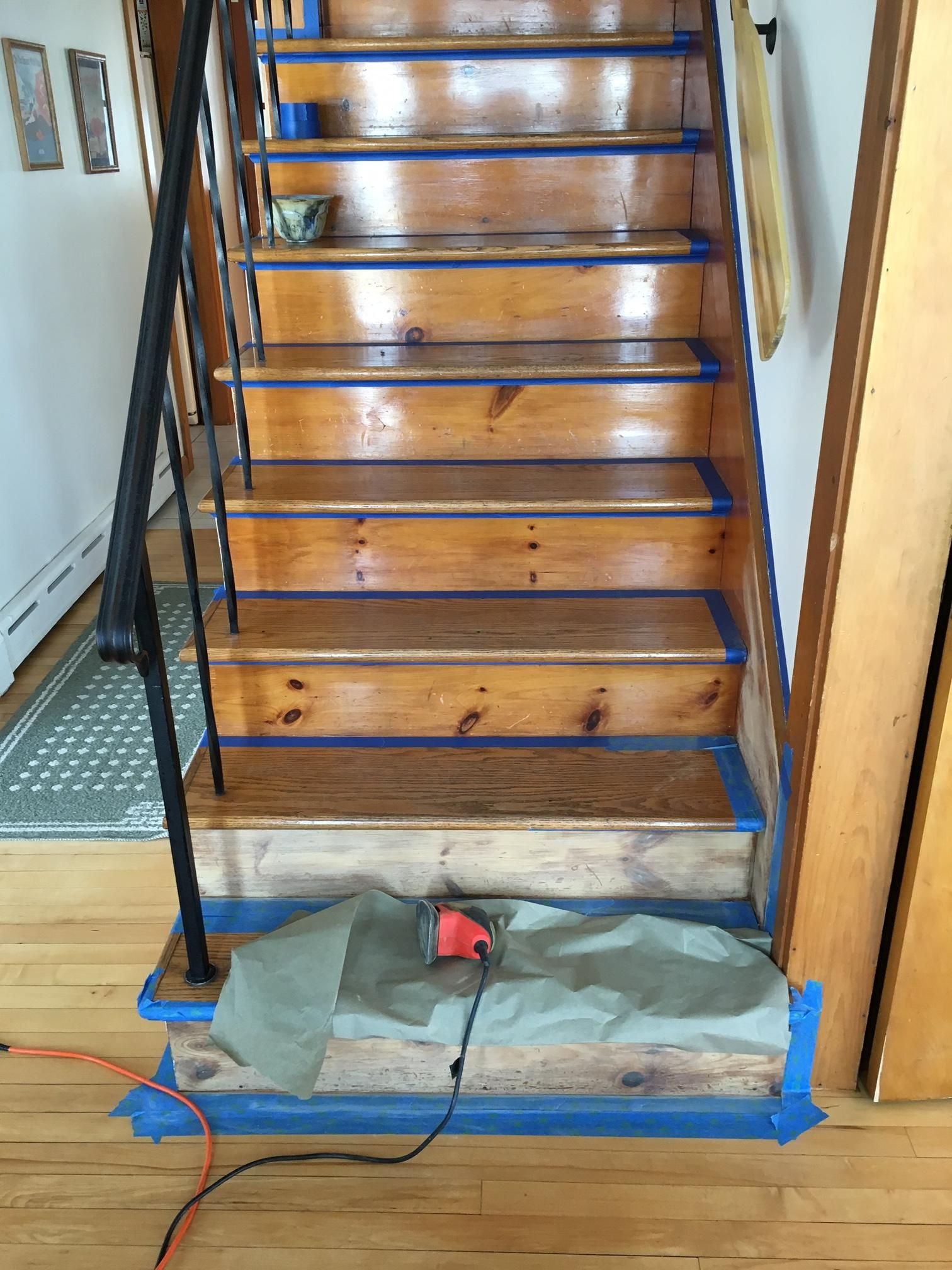 Best Sanding The Risers Painted Stair Risers Painted Stairs 400 x 300