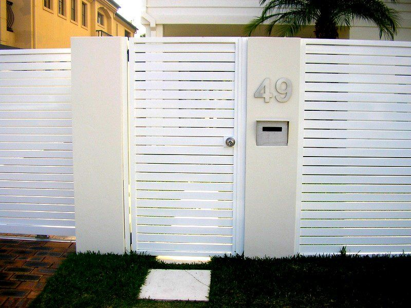 Pool Fencing GOLD COAST AND BRISBANE | White fence, Front ...