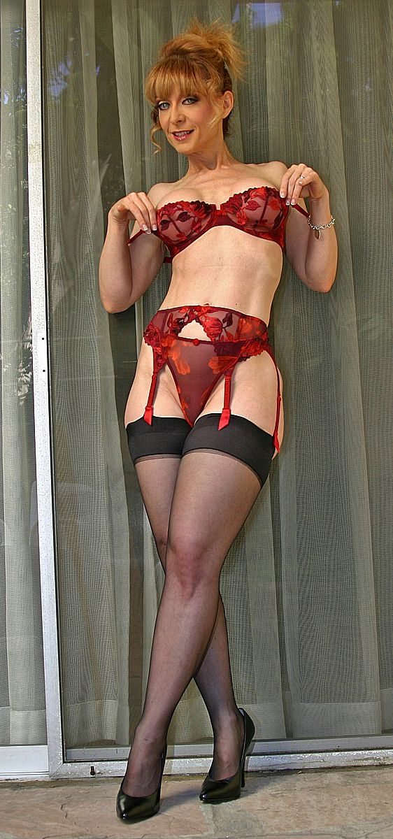 Nina Hartley in Leder