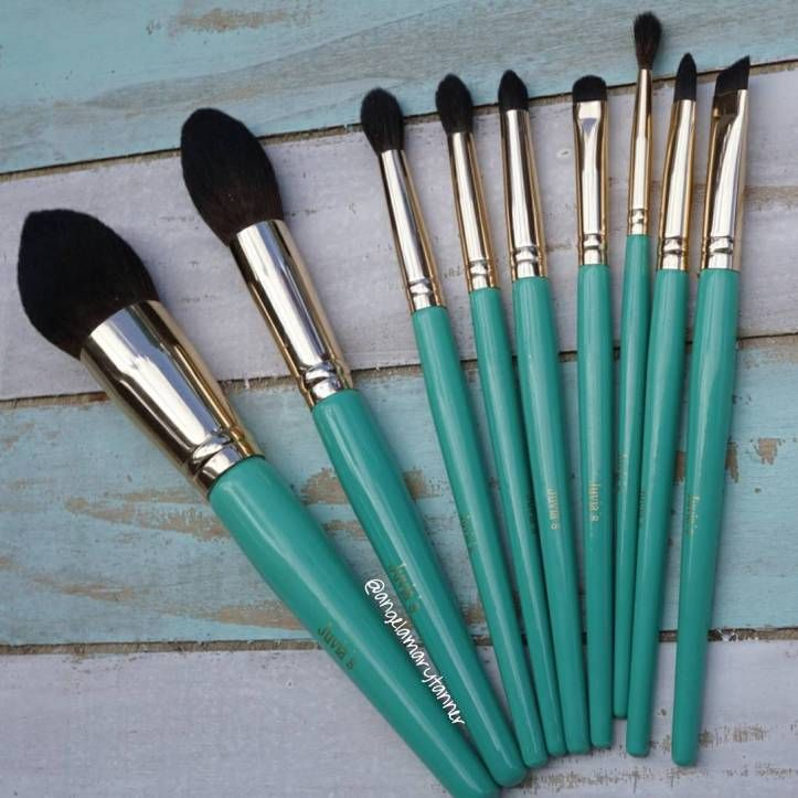 PR sample. Affiliate code In addition to two new blush palettes,Juvia's Placealso released two new brush sets today (May 9). We had the opportunity to get our hands on them a litt…