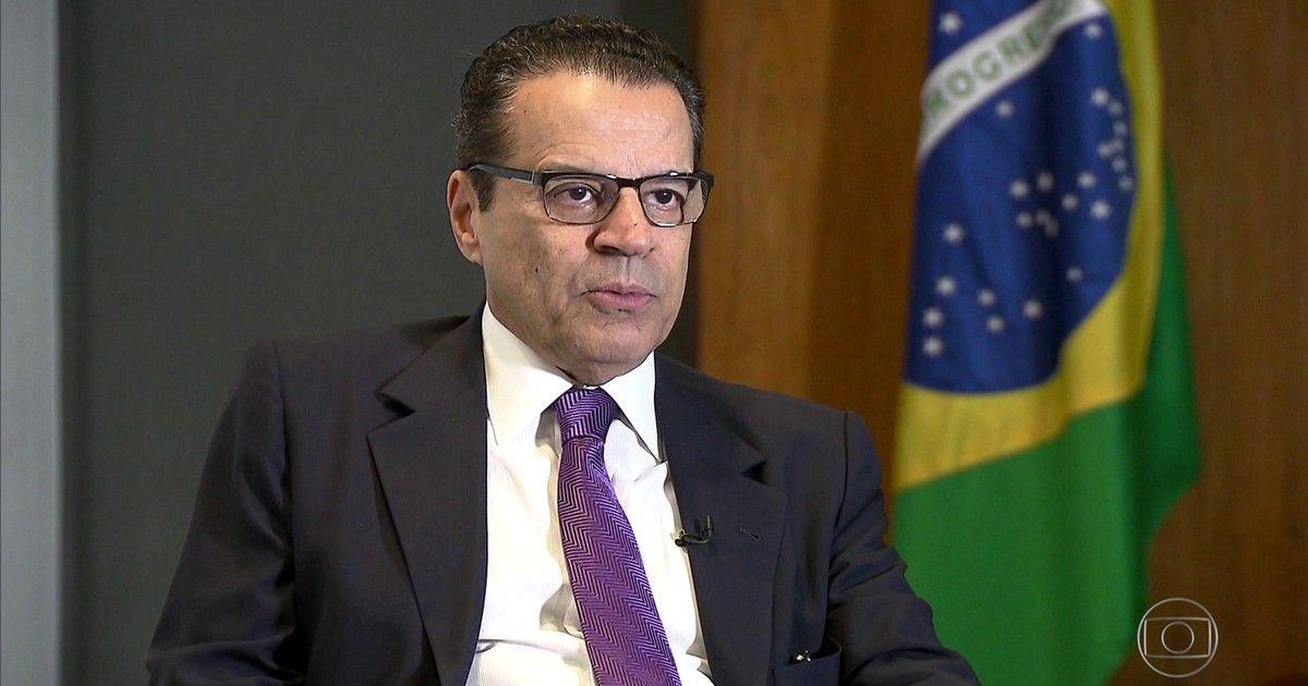 Em carta, Alves diz que não quer criar 'constrangimentos' ao governo