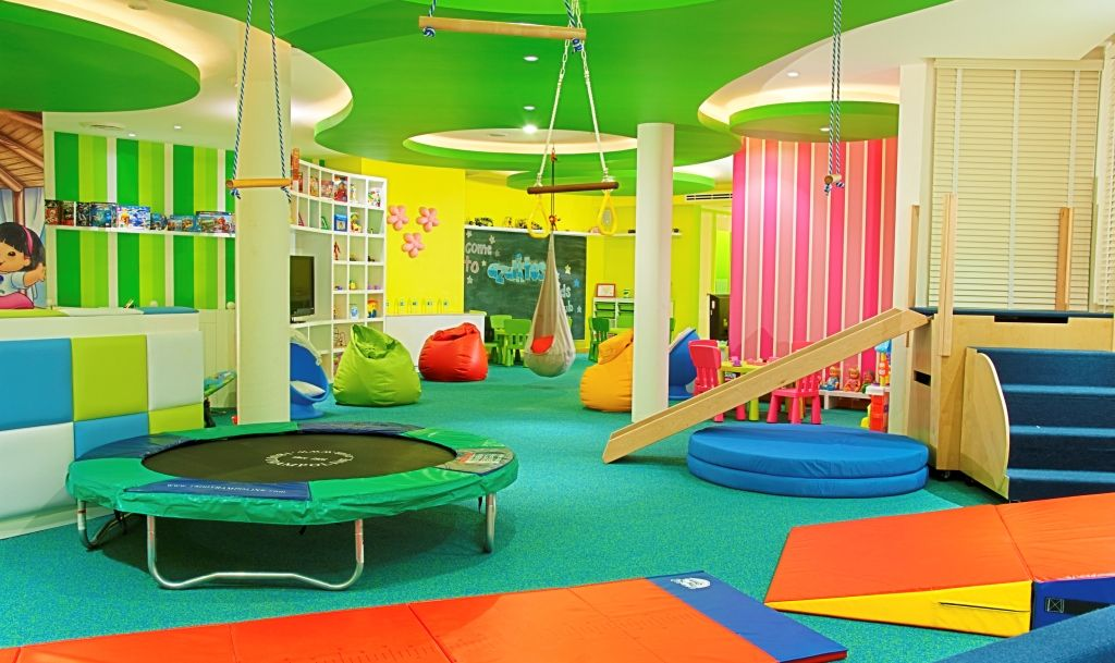 Azul beach kids club contact us for more for Fitness 19 kids room