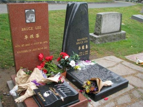Pin On Celebrity Headstones Cemeteries More