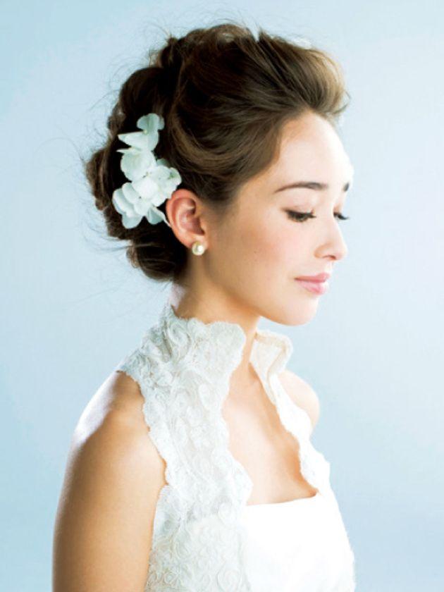 計算されたナチュラル感で見せる お花たっぷり最旬花嫁フラワーヘア ウェディング ヘアスタイル ウェディングアップ