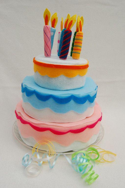 * Leuke verjaardagstaart van vilt!