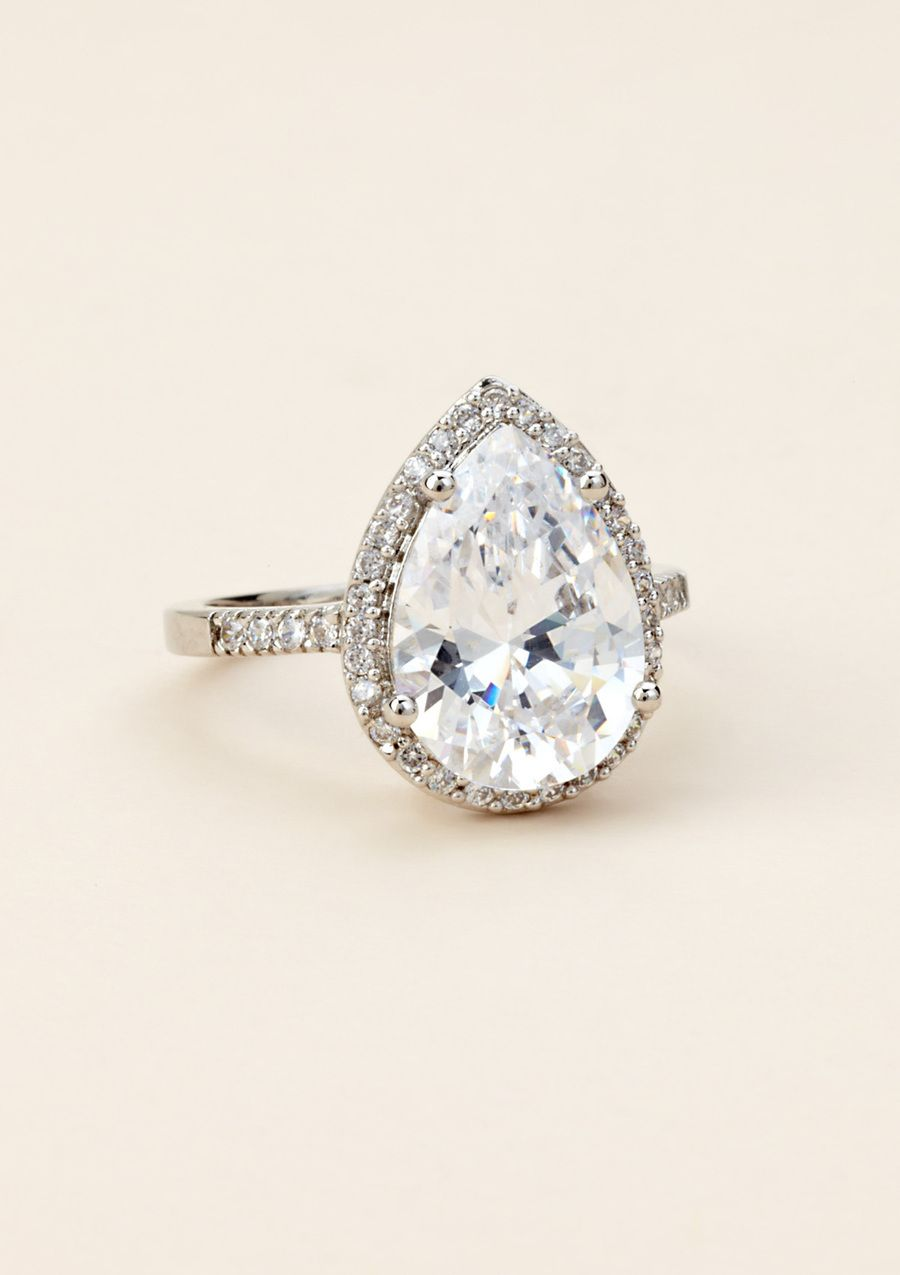 a perfect pear shaped engagement ring - Teardrop Wedding Rings