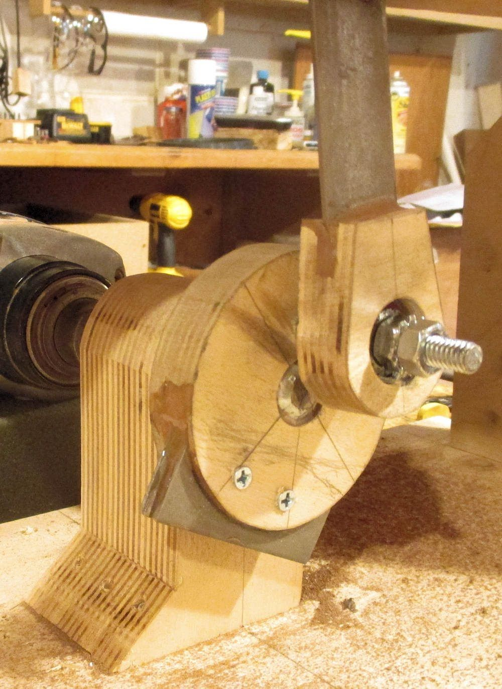 The Original Build Of My Wooden Scroll Saw Had Considerable Vibration When In Use I Changed The Enti Scroll Saw Wood Working For Beginners Wood Furniture Legs